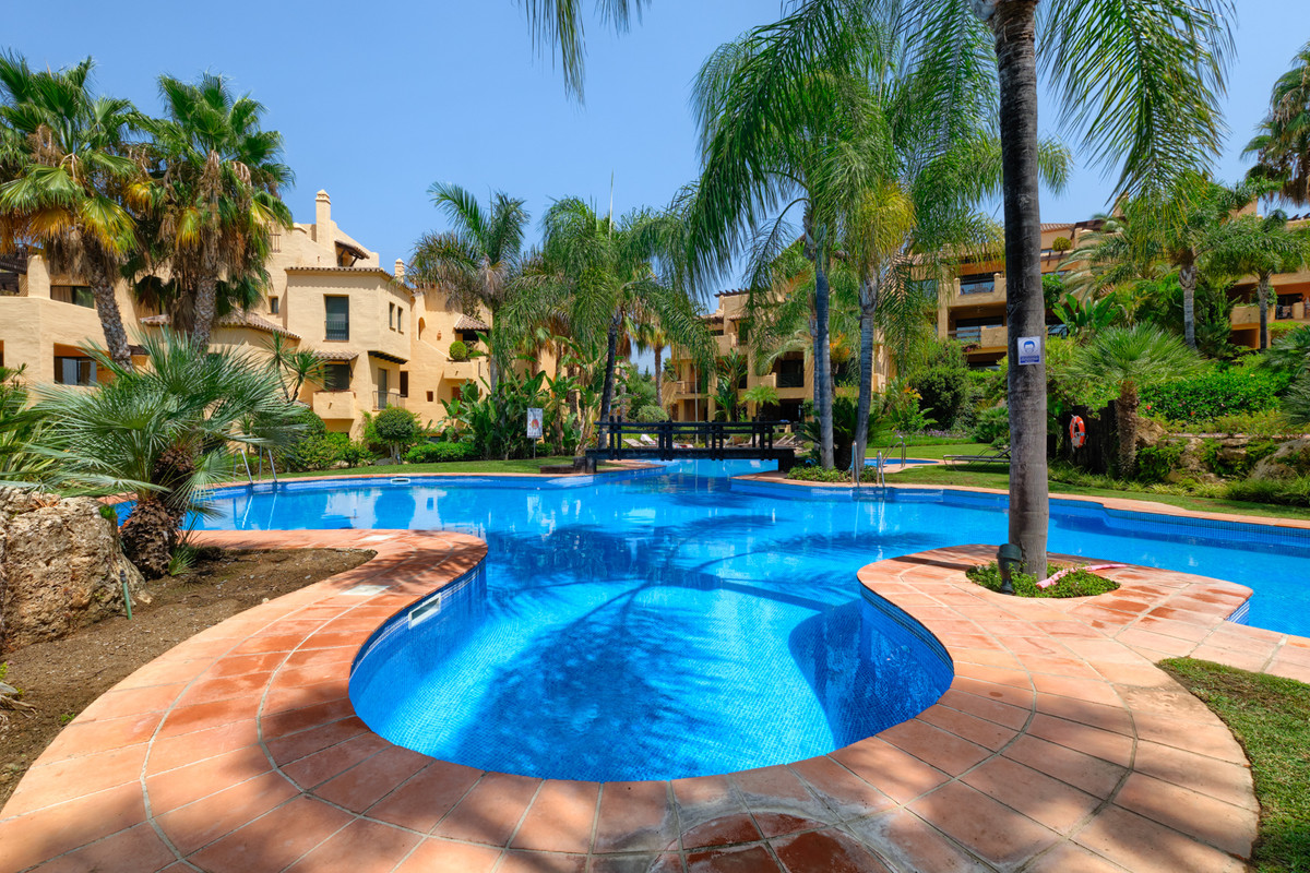 Amazingly priced  Stunning 3 bed duplex penthouse apartment located in the very popular urbanisation, Spain