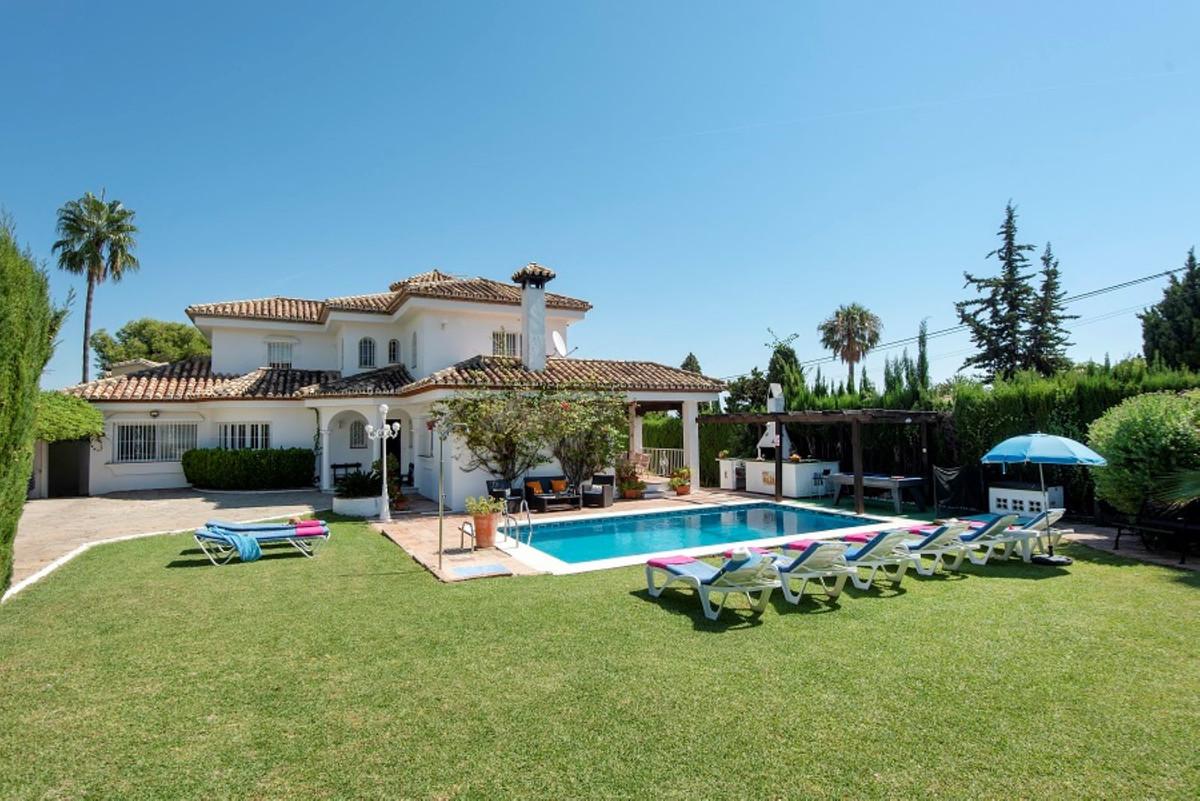 Vrijstaande Villa te koop in El Paraiso R3615011