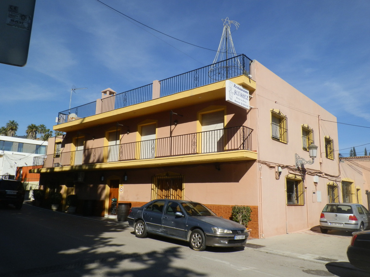 Benahavis is famous for its gastronomical delights, surrounded by beautiful mountains this property ,Spain