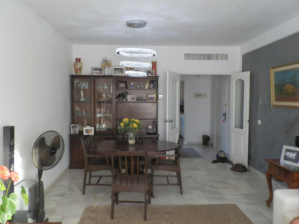 Apartamento en Planta Última en Venta en El Paraiso – R3523696