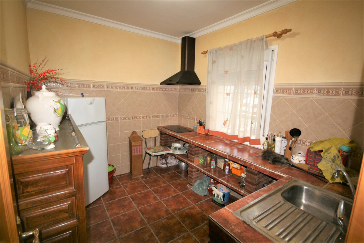 Ground Floor Apartment for sale in Coín