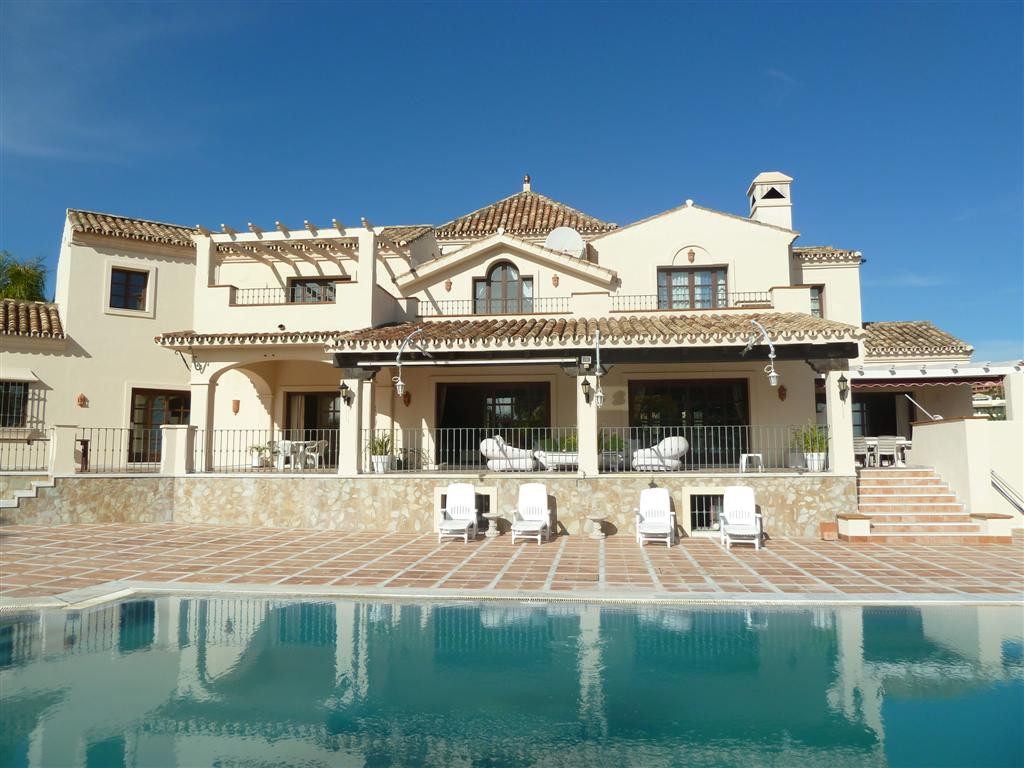 A most stunning villa set in an idyilic location with the most amazing views of the famous Los Flami, Spain