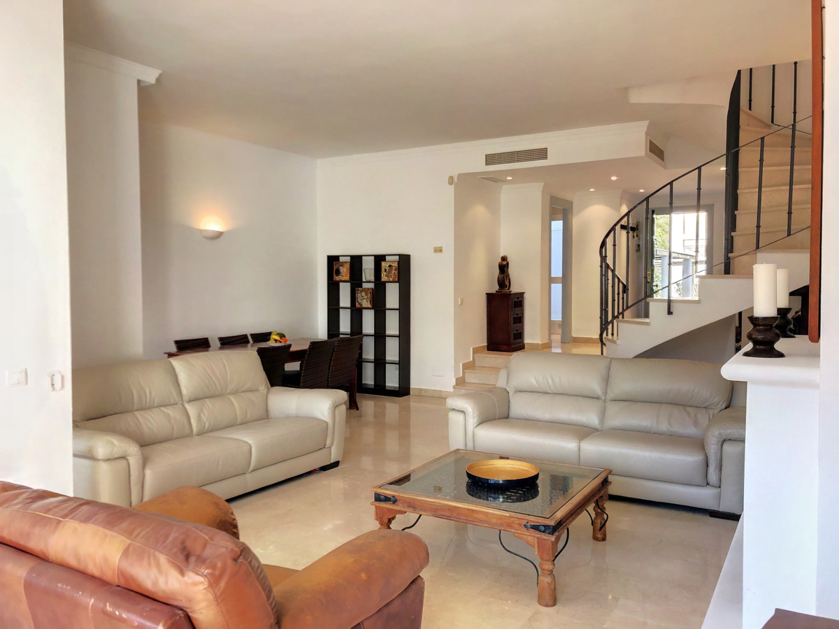 4 bedroom townhouse for sale benahavis