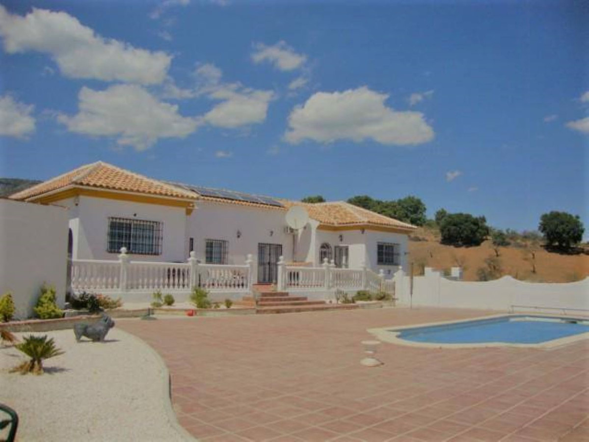 Detached Villa for sale in Tolox