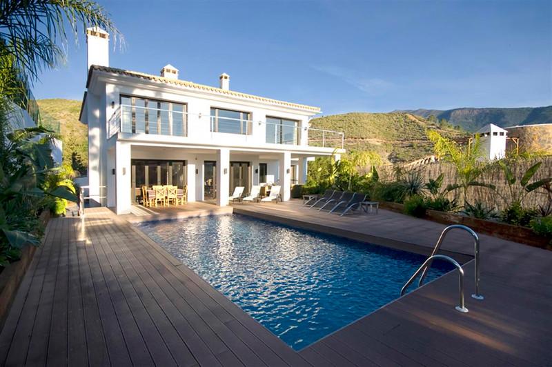 Holiday Rentals Marbella, Puerto Banus 12