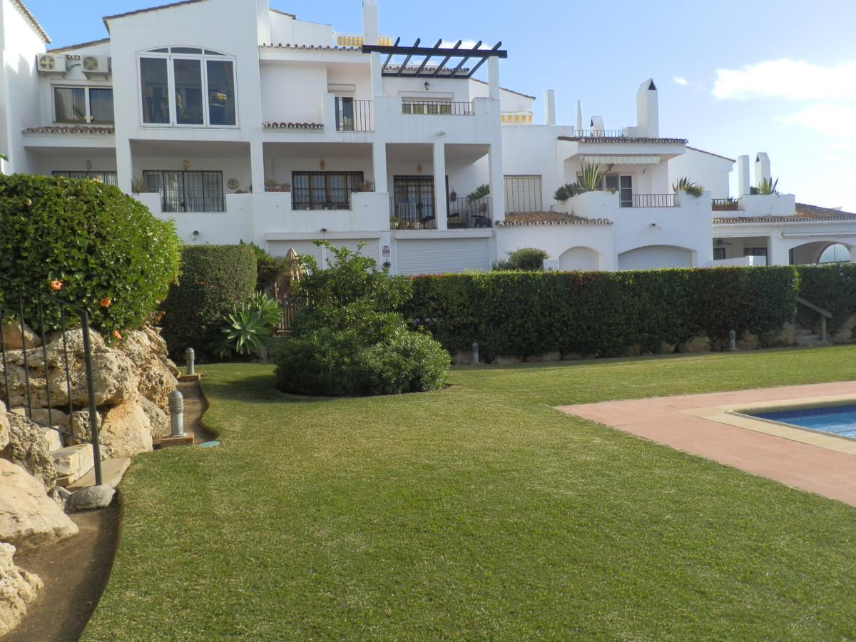 Marbella Banus Apartamento Planta Baja en Venta en El Paraiso – R3551137
