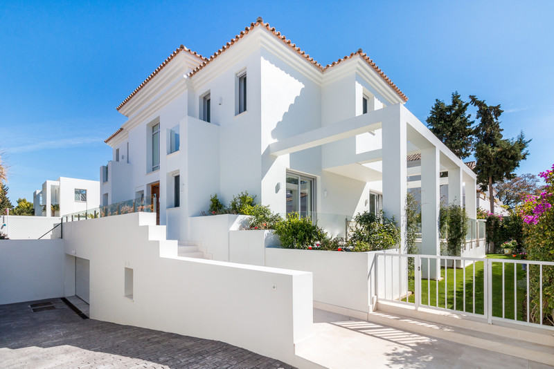 Welcome to Mibro International Properties, specialising in Marbella property for sale 8