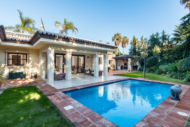 Welcome to Mibro International Properties, specialising in Marbella property for sale 12