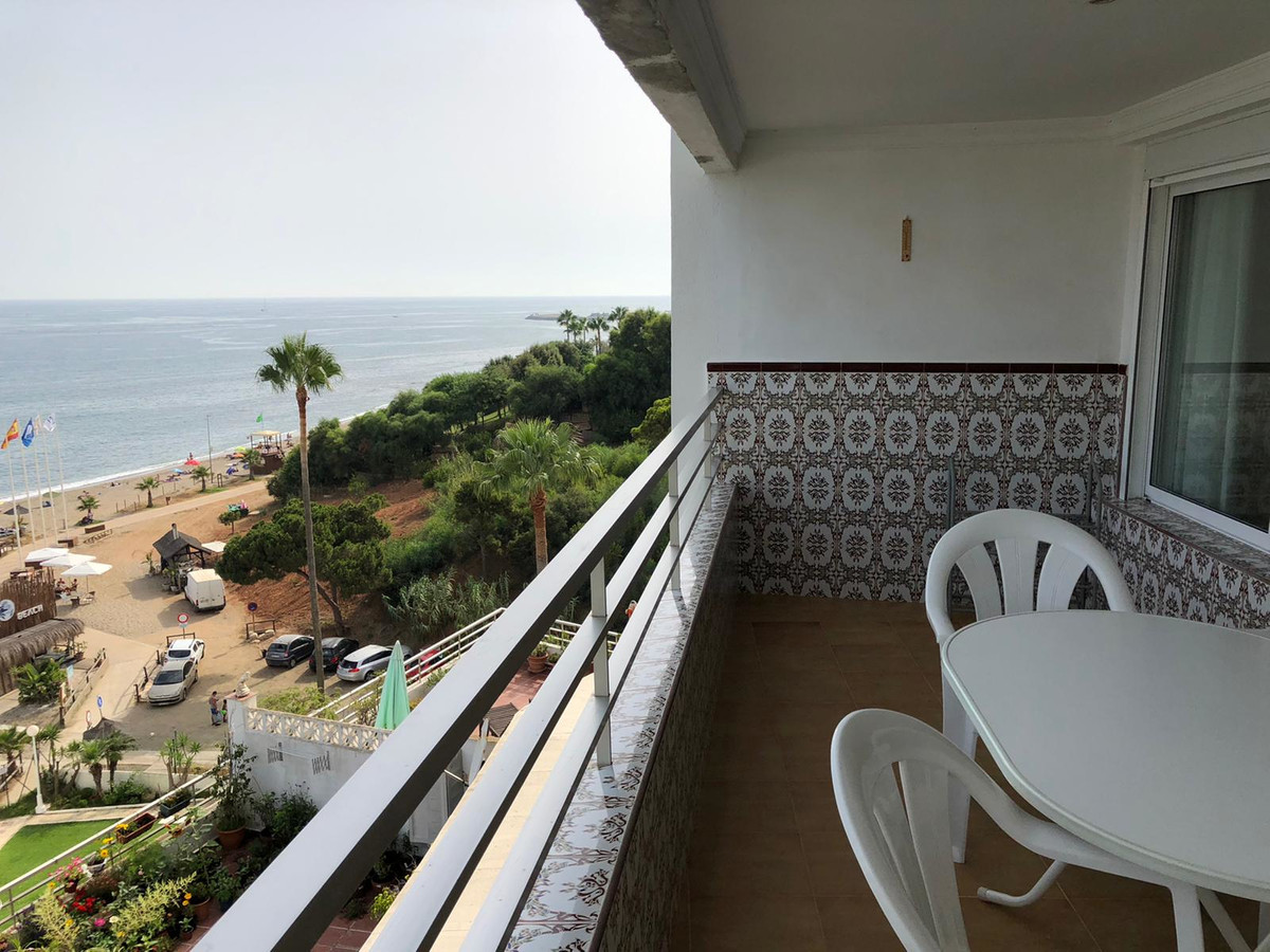 Middle Floor Apartment for sale in Calahonda R3686807