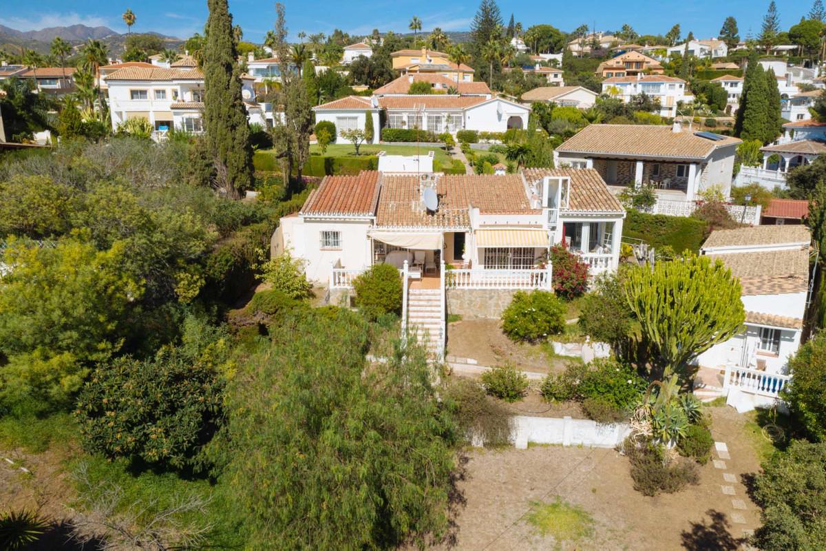 Detached Villa for sale in Elviria R3096667