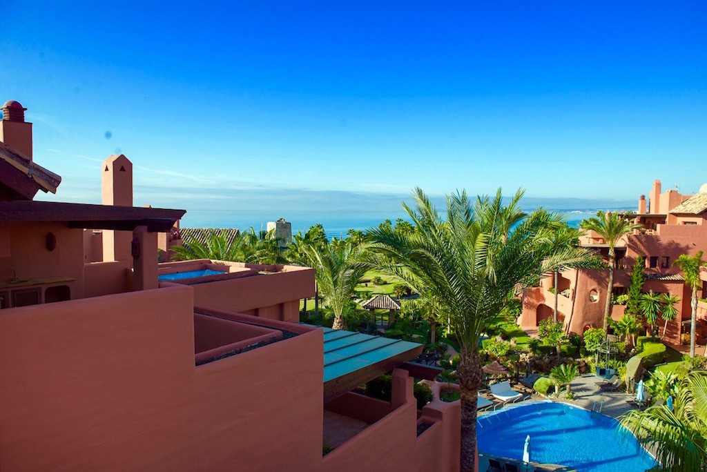 Marbella Banus Ático en Venta en New Golden Mile – R2906870