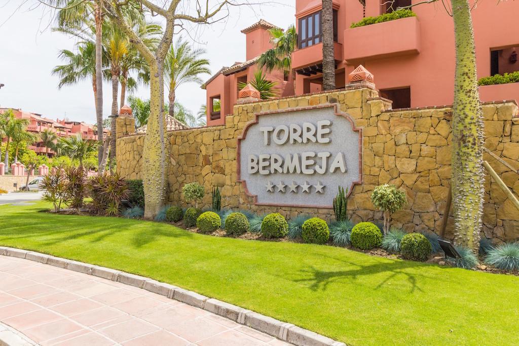 Marbella Banus Apartamento Planta Baja en venta en New Golden Mile – R3235348