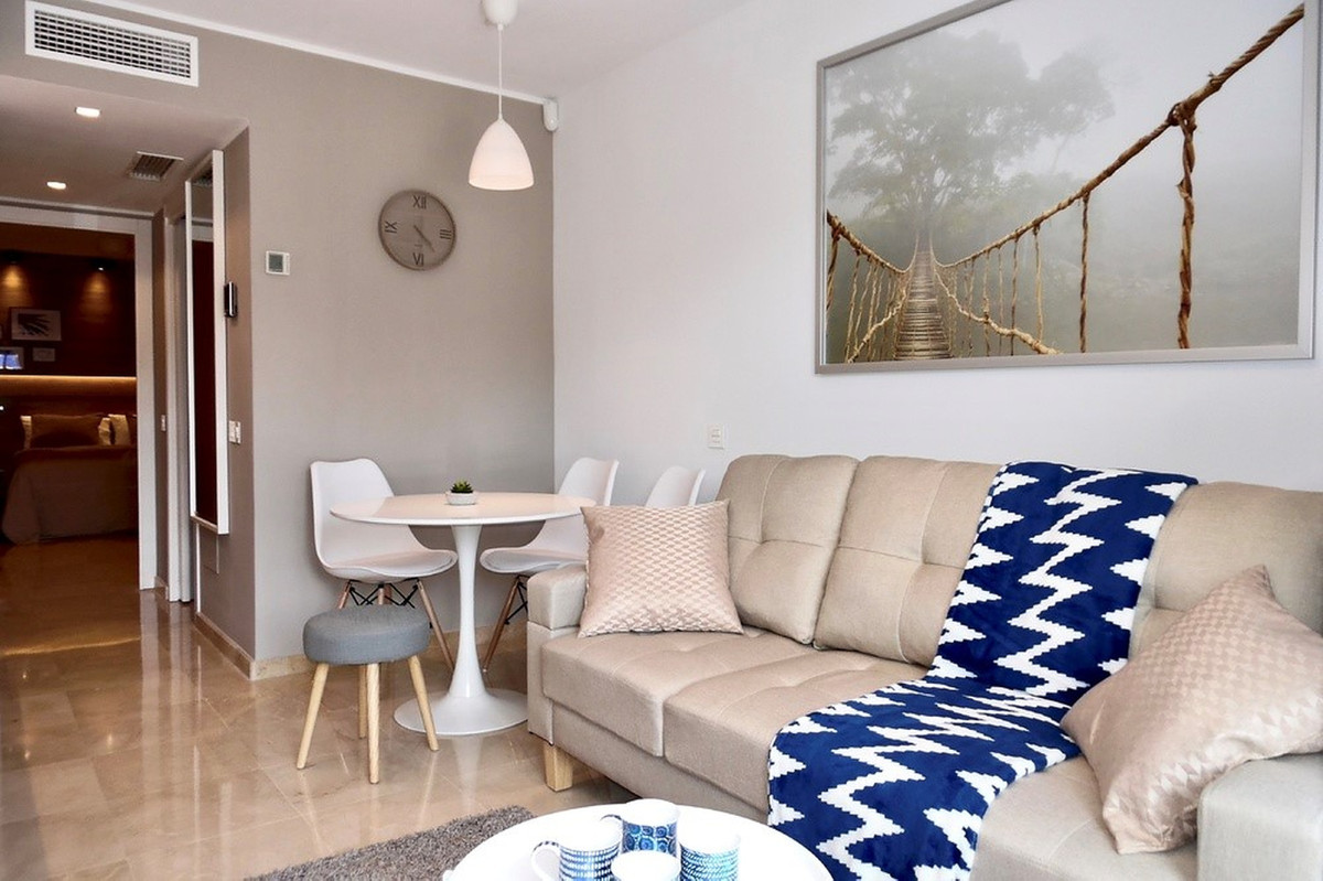 Contemporary apartment in Benalmadena Costa!  Community fees: 40 €/month IBI fees: 250 €/year   This, Spain