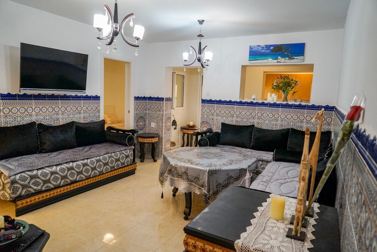 4 bedroom cozy home from the heart of Los Boliches!  Completely renovated 4 bedroom and one bathroom,Spain