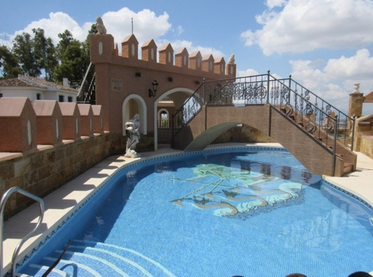 Magnificent villa on a huge plot in Malaga!  This magnificent villa is located only 4 kilometres awa,Spain
