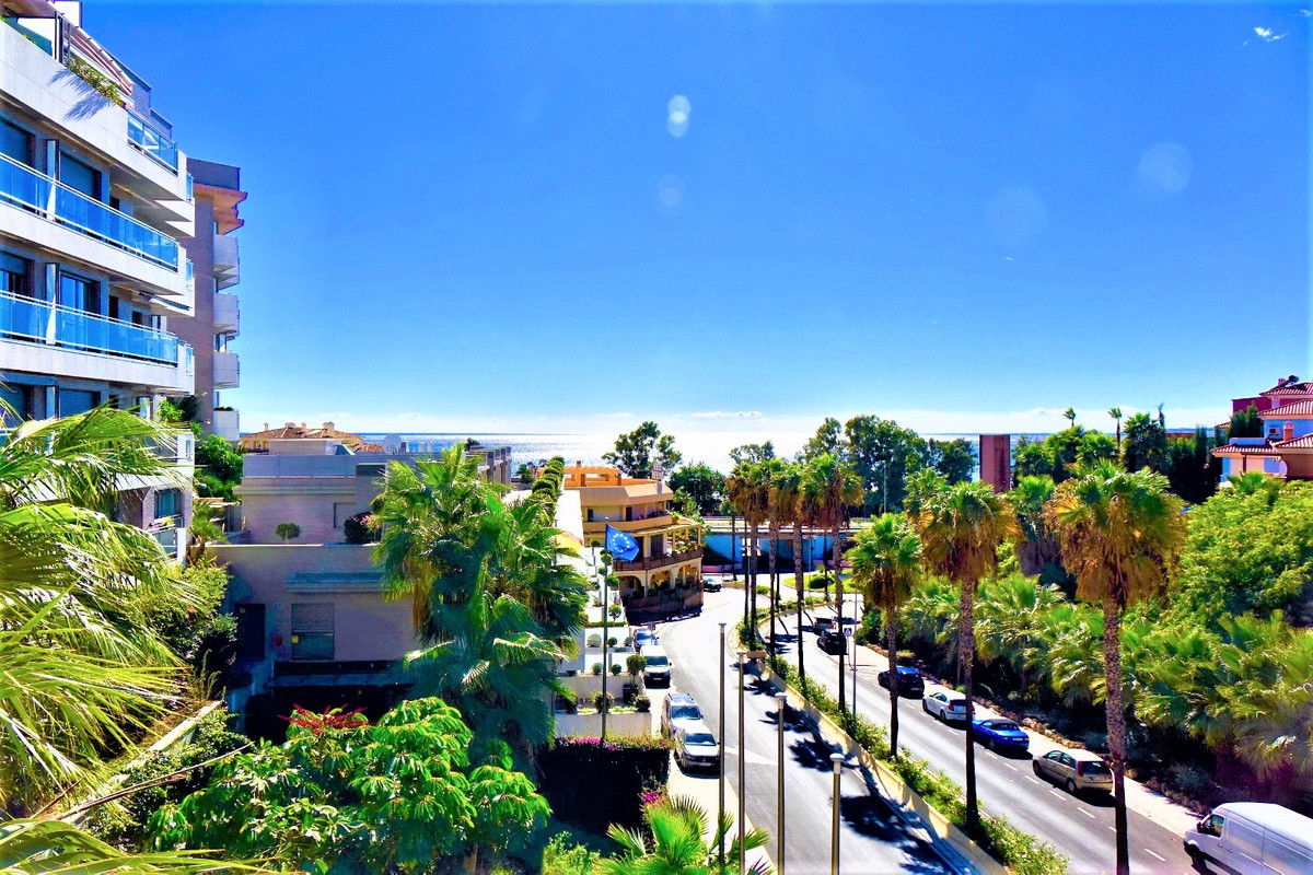 BEACHSIDE!!!      EXCELLENT LOCATION!       EXCELLENT VIEWS!     Fantastic and bright 3 bed and 2 ba,Spain