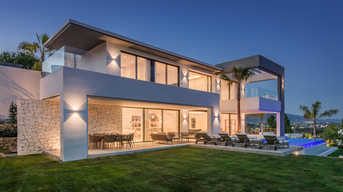 Occupying one of the best locations within the area, this brand new contemporary villa is certainly ,Spain