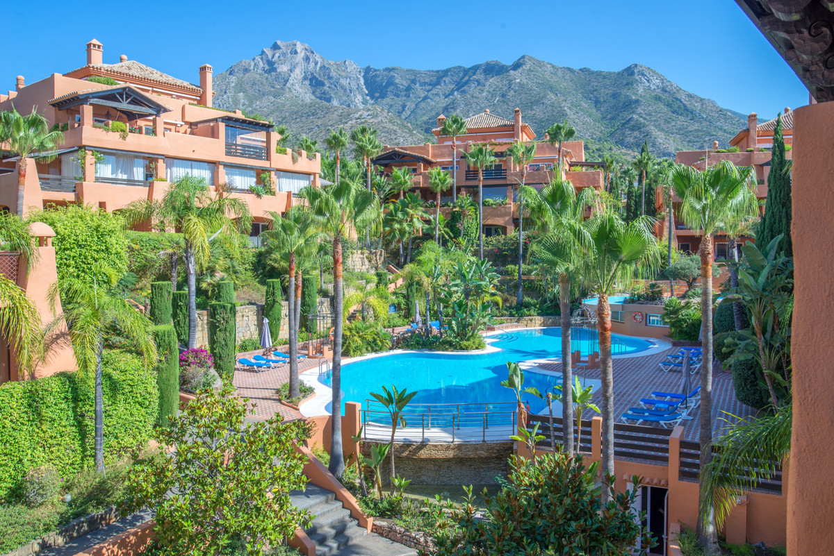 Fantastic apartment for sale in Sierra Blanca, Golden Mile, Marbella.  Located in a very quiet area , Spain