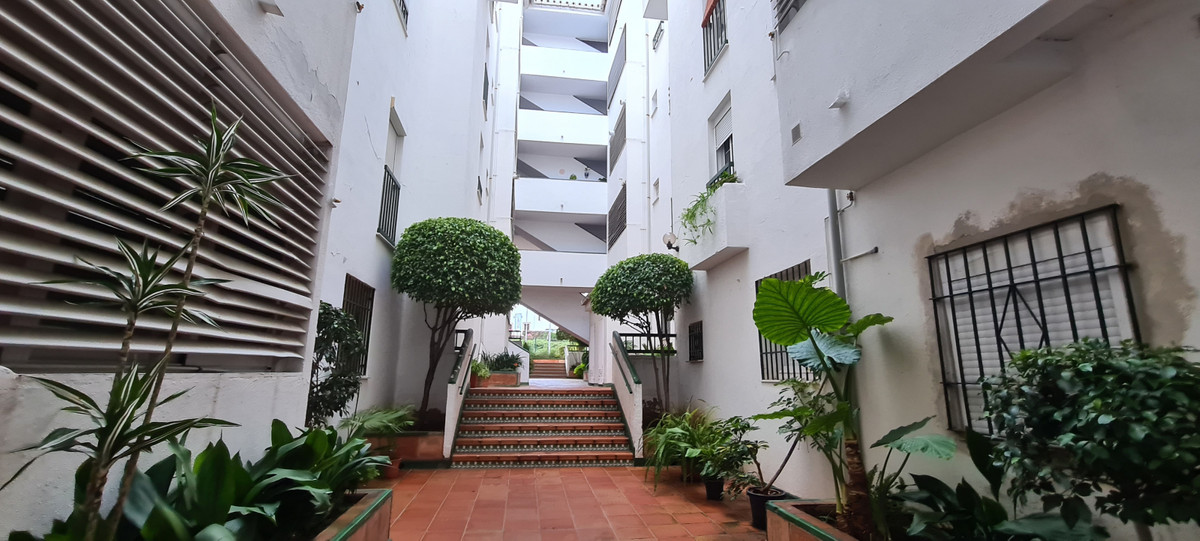 Beautiful bright apartment, in one of the areas with the highest growth in all of Marbella, the hear, Spain