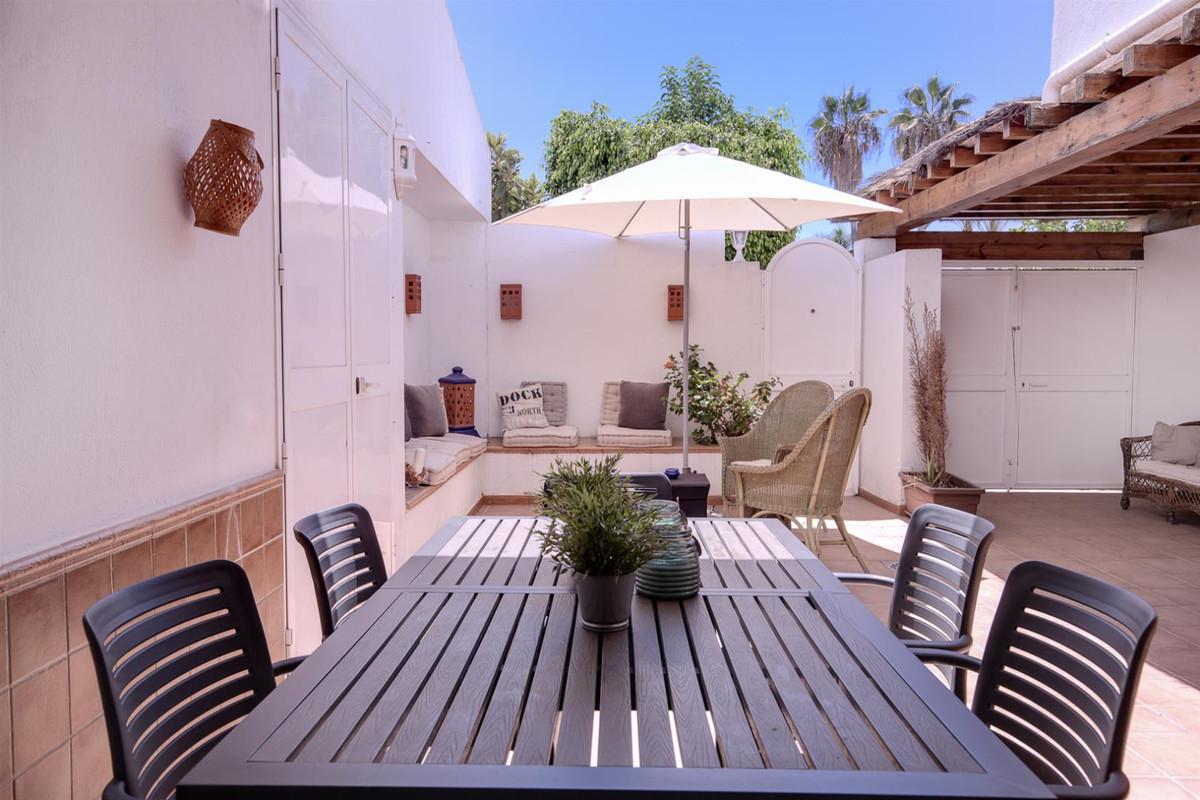 Unifamiliar  Adosada en venta   en Marbella
