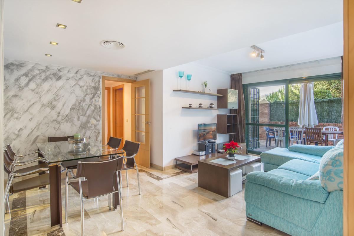 Apartamento Planta Baja en Venta en Marbella – R3556915