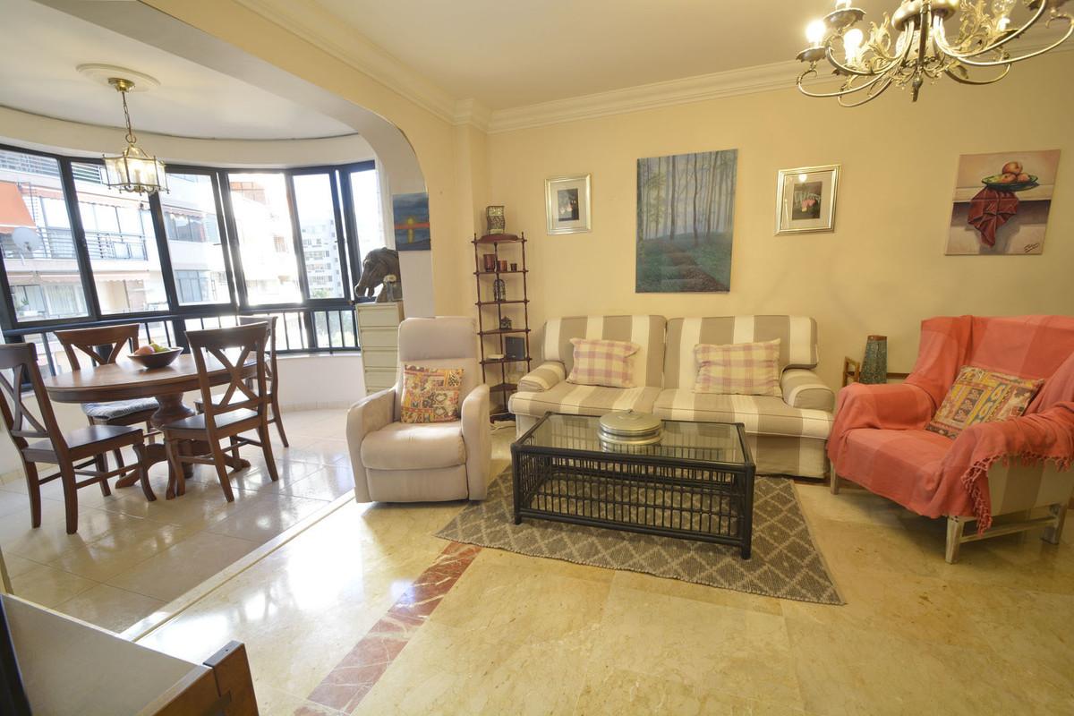 Marbella Banus Apartamento Planta Media en Venta en Marbella – R3734590
