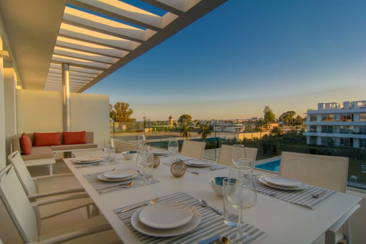 Elegant and spacious 3 bedroom penthouse duplex (114 m2 built) with a terrace (21 m2) and a 56 m2 so, Spain