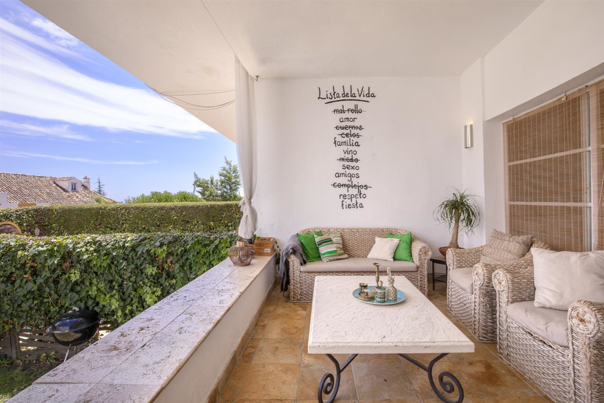 EXCELLENT TOWNHOUSE IN MONTE BIARRITZ, IDEAL FOR FAMILIES   Spacious and cozy townhouse in the Urb. Spain