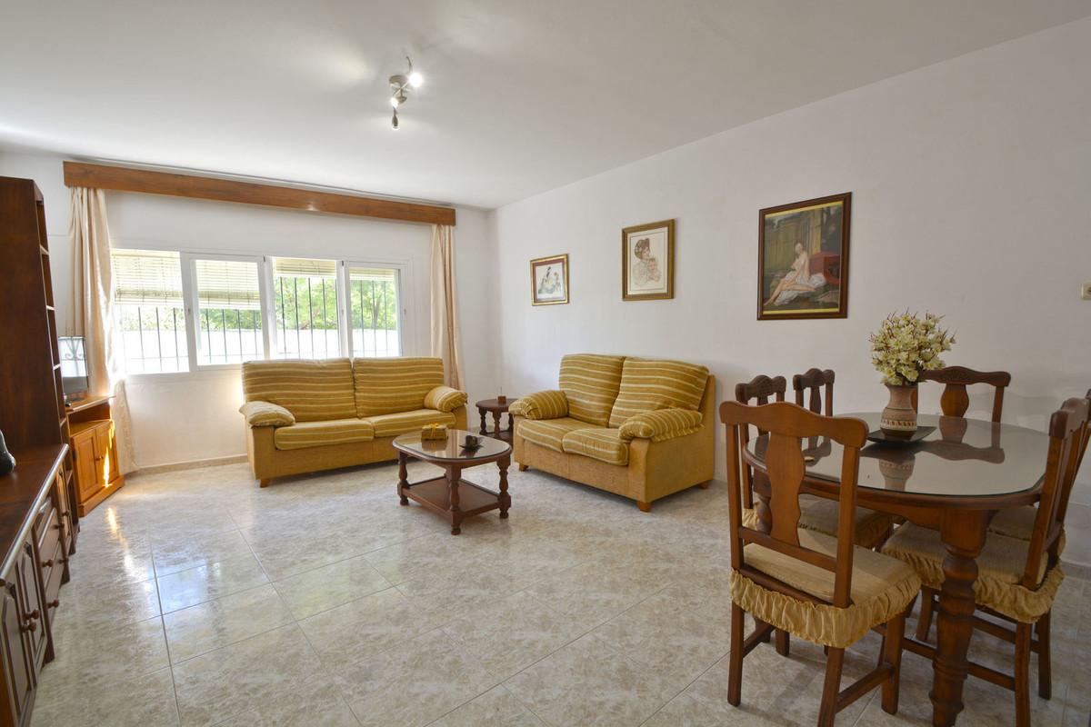 Marbella Banus Apartamento en Venta en Marbella – R3769033