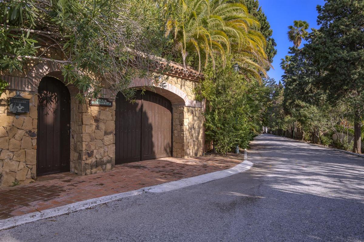 Villa – Chalet en Venta en El Paraiso – R3568690