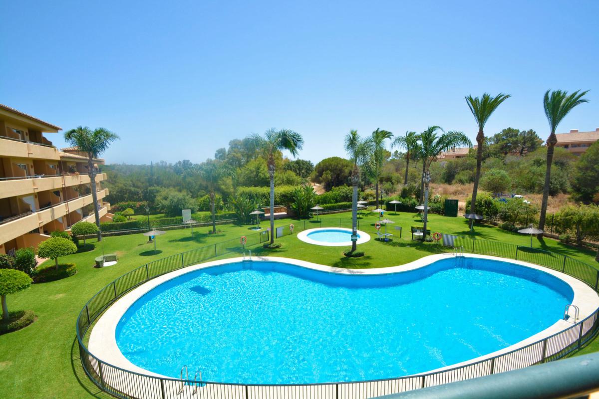 Marbella Banus Apartamento Planta Media en Venta en Elviria – R3679100