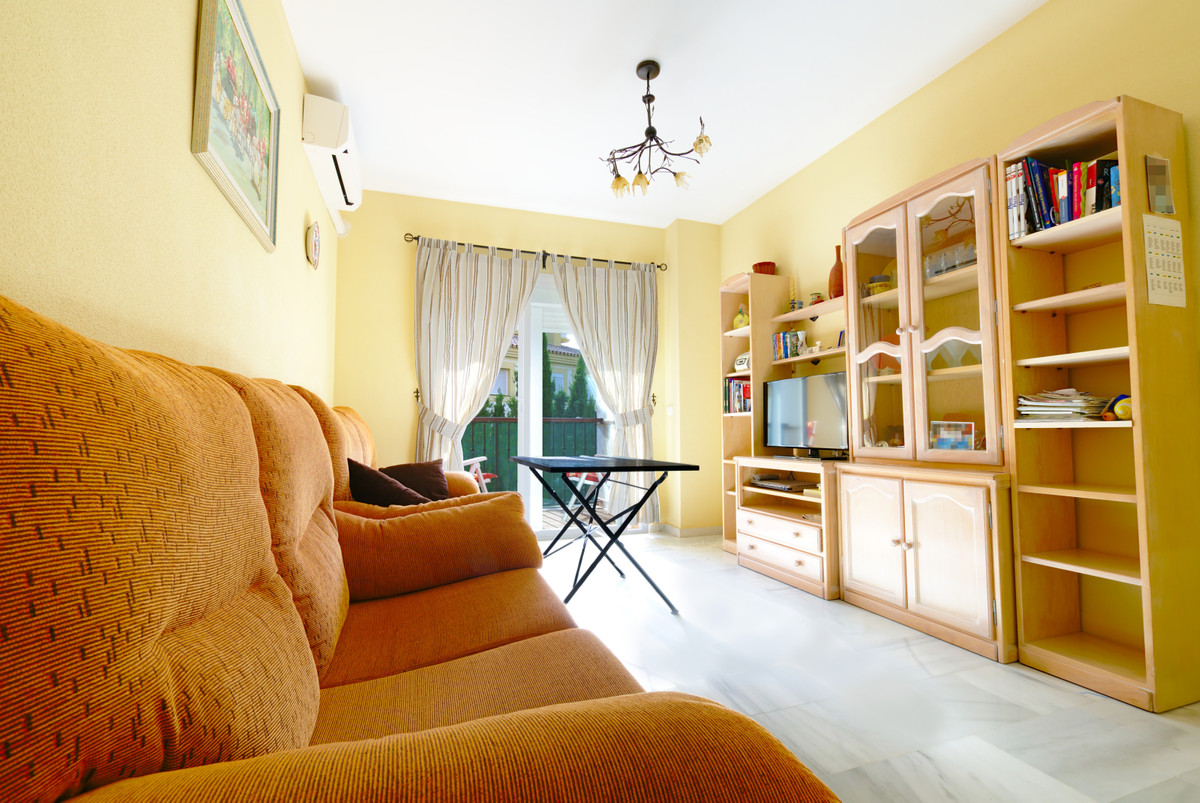 Apartment in perfect condition in Baviera Golf. In a quiet and family urbanization, very spacious an,Spain