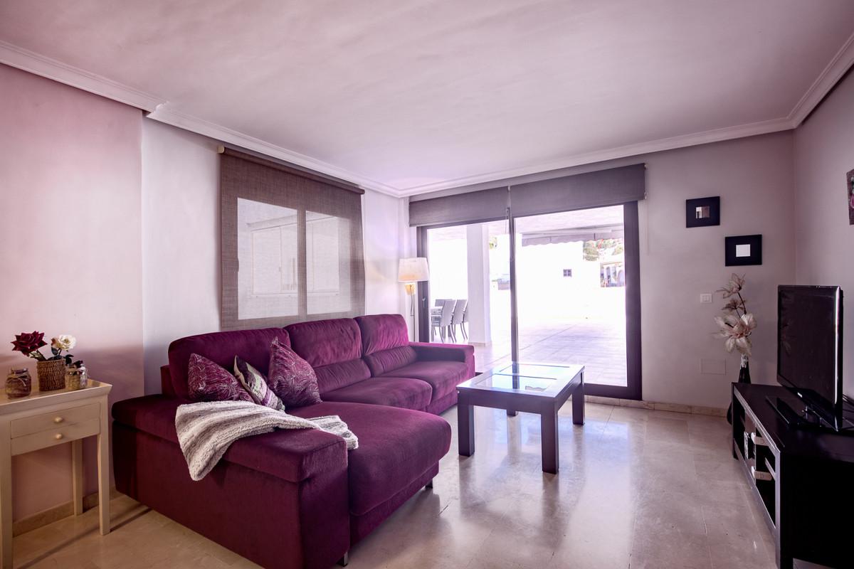 Apartamento en Venta en Benahavís – R3836554