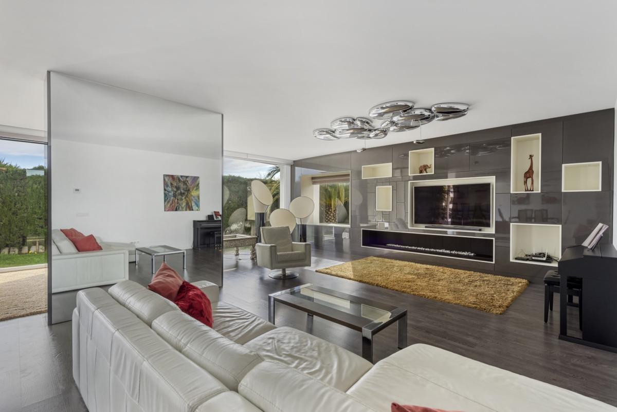 Villa – Chalet en Venta en Marbella – R3586492