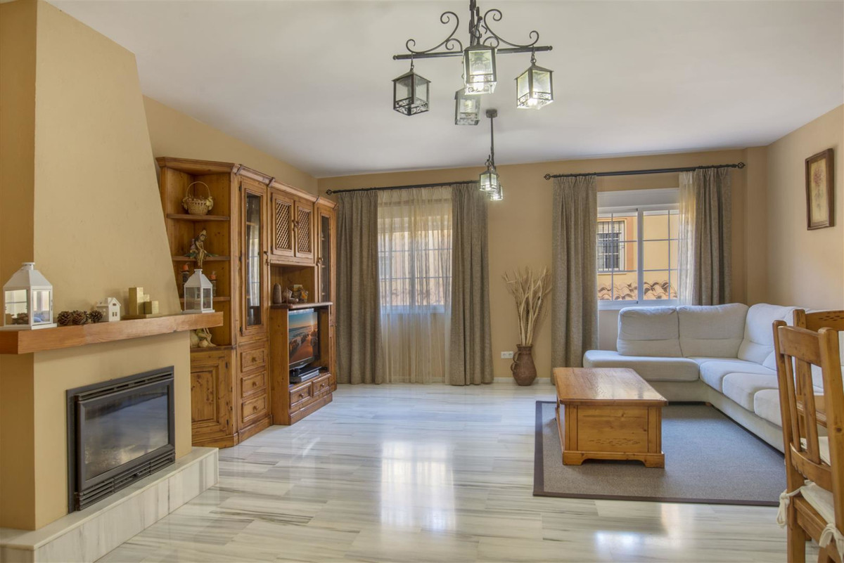 Nice terraced house located in a gated community in Los Pacos area - Vistamar Residential Complex (F,Spain