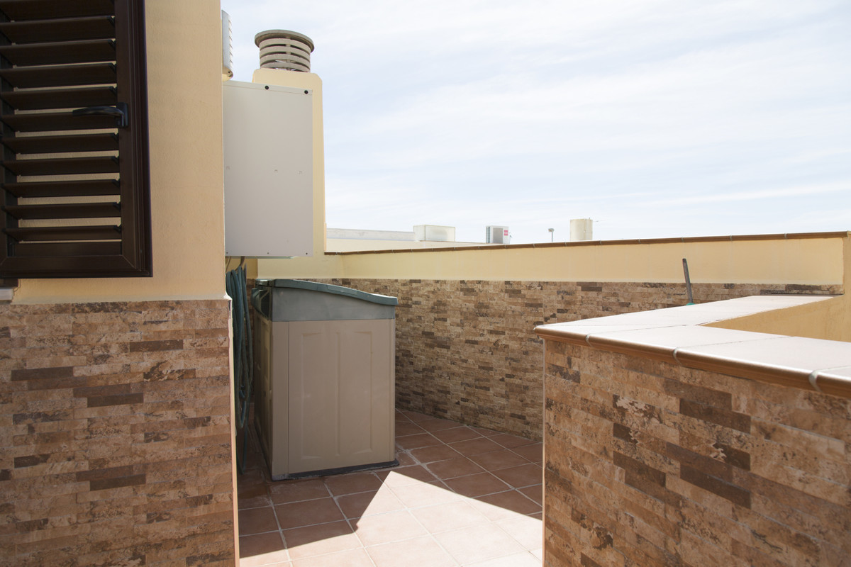 Casa Bou is a beautiful duplex penthouse built in 2008 in the strategic neighborhood of Pinillo, jus,Spain