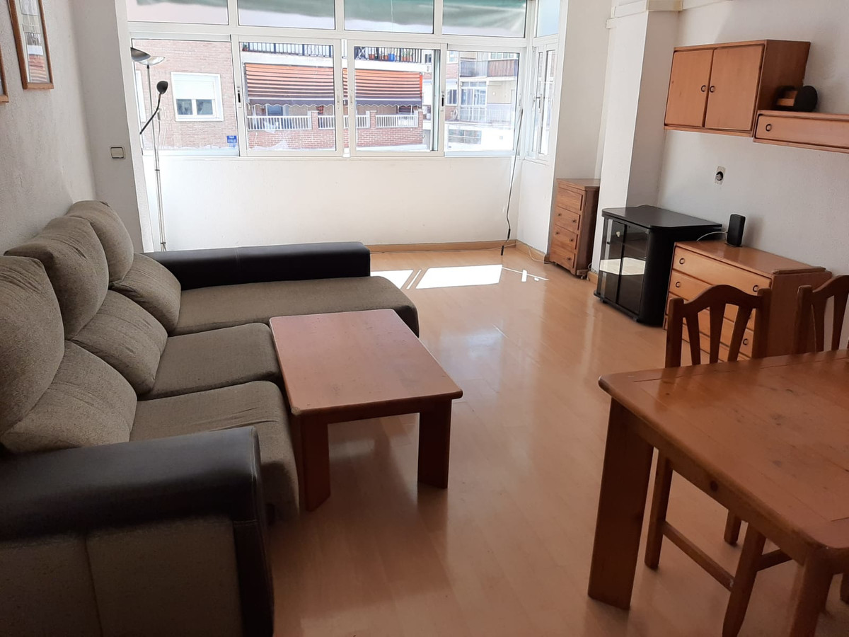 Spacious three-bedroom apartment in La Paz, one of the best neighborhoods in the west of Malaga, sur, Spain