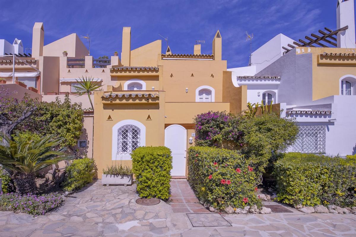 House - Marbella - R3803074 - mibgroup.es