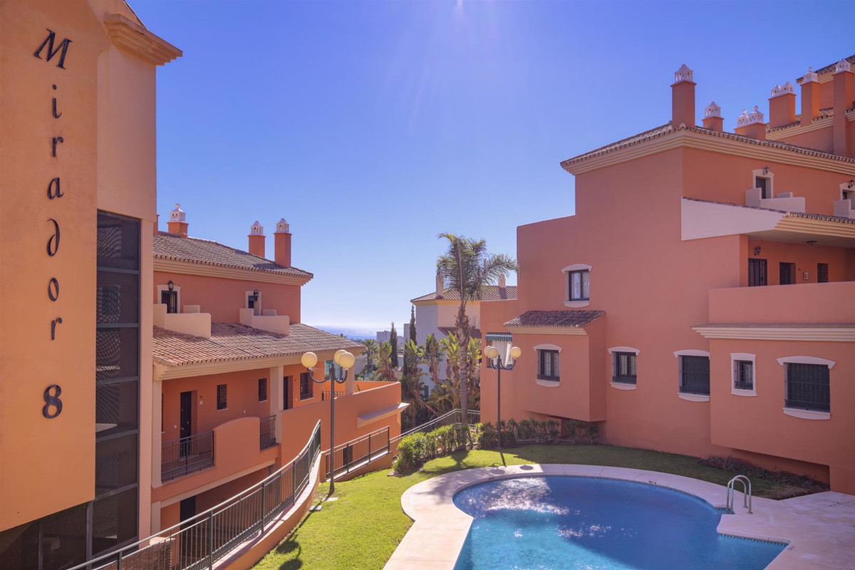 Brand new apartment: duplex top floor apartment with sea views in Elviria  Spacious and bright duple, Spain