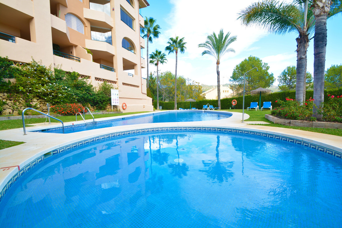 Spectacular penthouse first line golf course Santa Maria with sea views. This apartment is located i,Spain