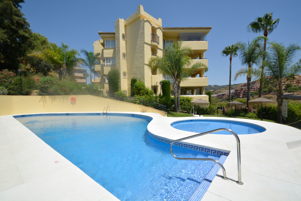 Best price unit in this complex without any doubt. Fantastic luxury apartment in a sought-after area, Spain