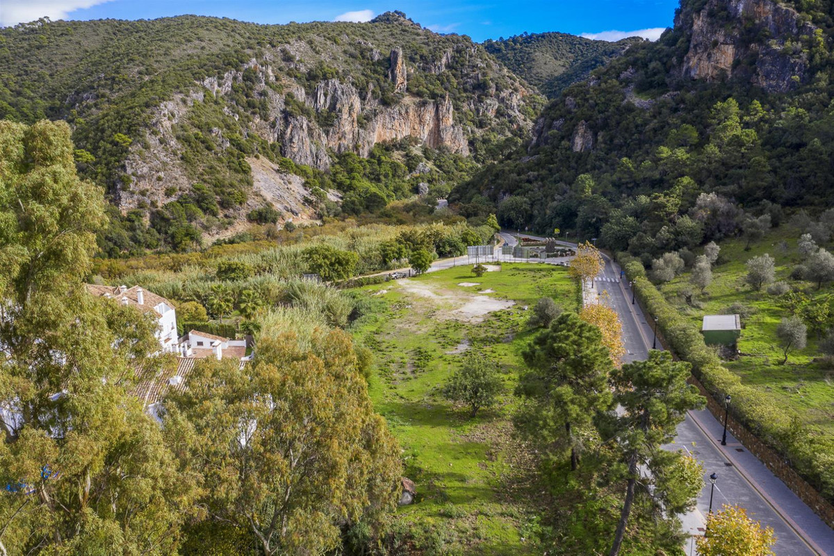 COMMERCIAL PLOT: big investment opportunity in Benahavis village  Developable plot for commercial us, Spain