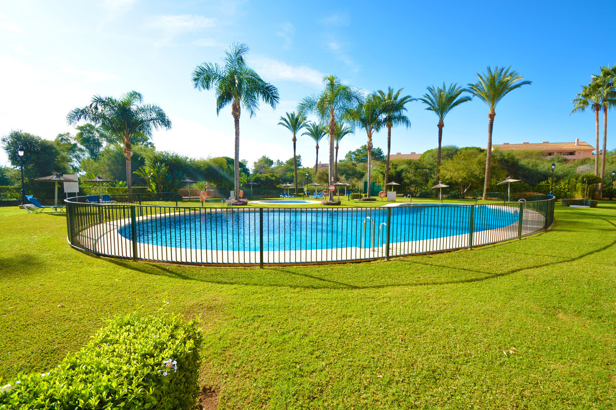 Marbella Banus Apartamento en Venta en Marbella – R3282103