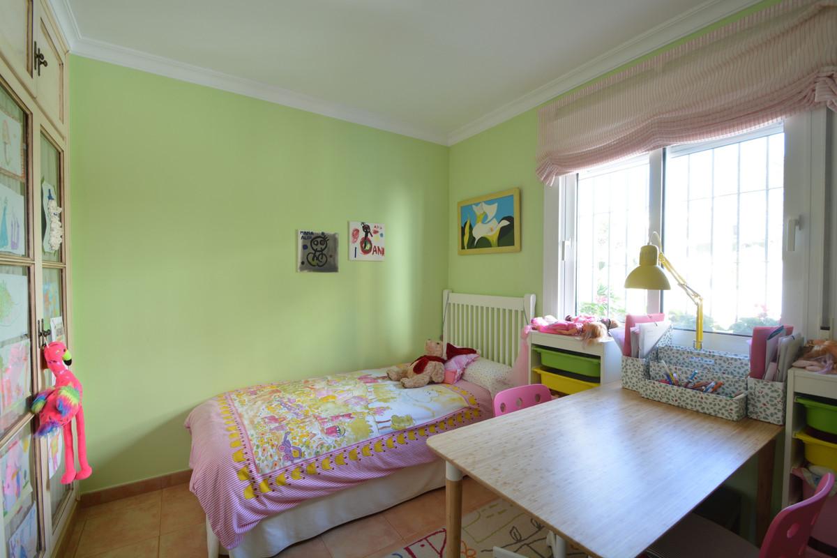 Rijhuis te koop in Elviria R3323833