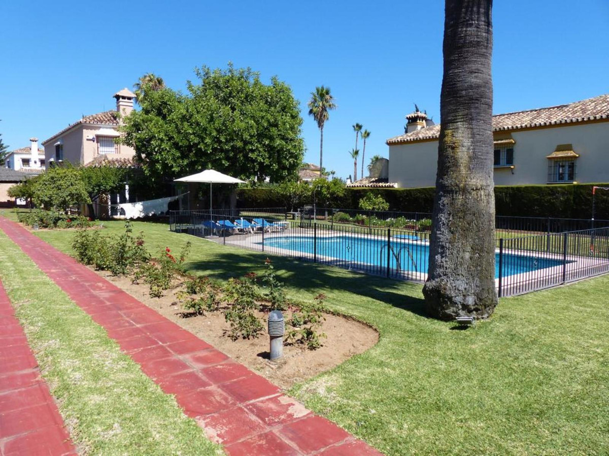 WONDERFUL INDEPENDENT VILLA IN MARBELLA. LOCATED AT MILLA DE ORO - Licensed for tourist rental  The  Spain