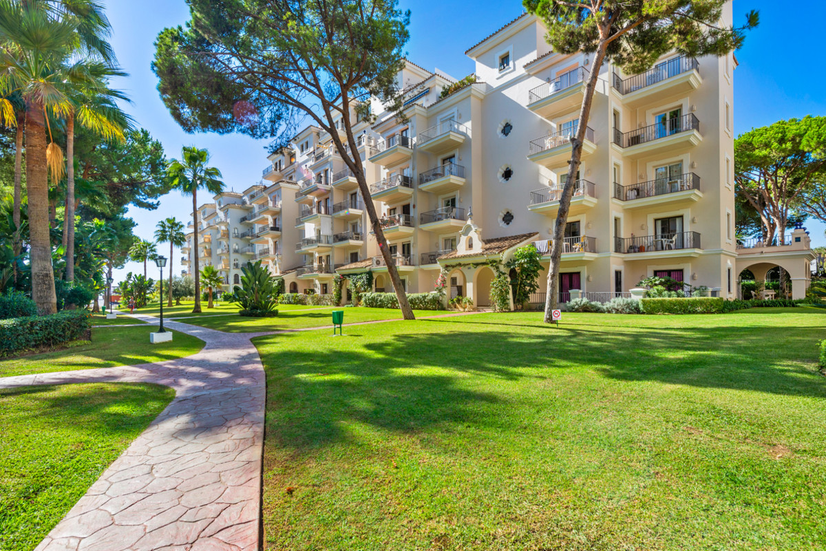 3 bedroom apartment for sale puerto banus