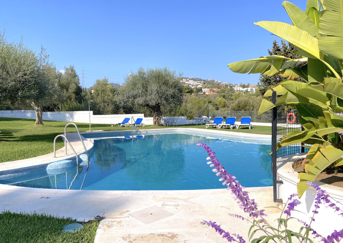 Marbella Banus Apartamento en Venta en Marbella – R3936235