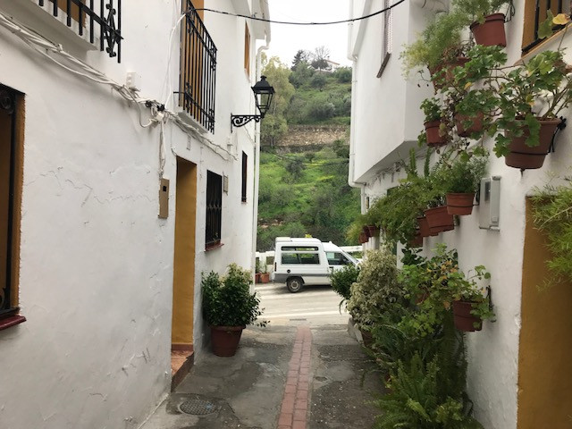 Townhouse with 2 bedrooms and a bathroom located i