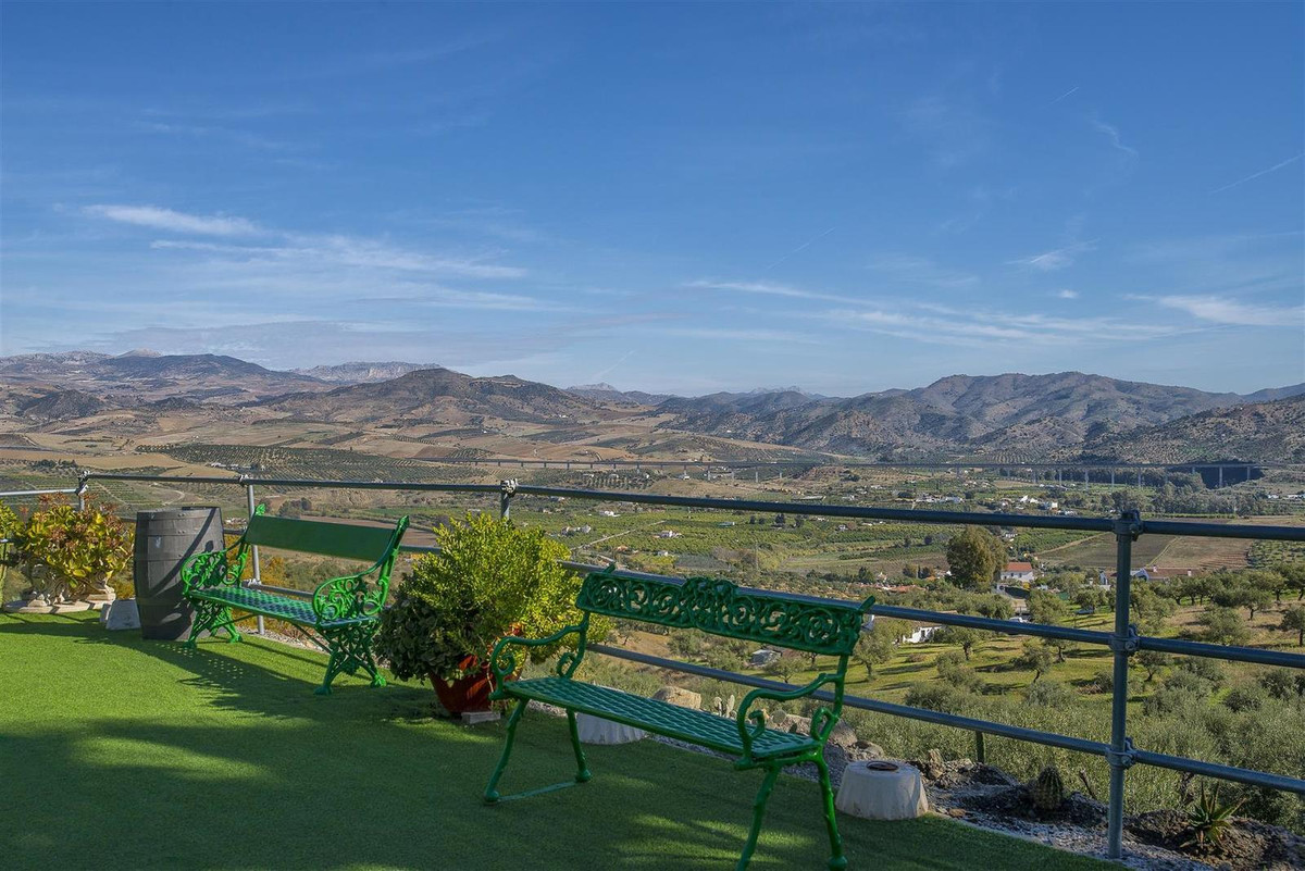 SPECTACULAR RURAL COMPLEX IN ALORA Rural Complex, with its due certificate from the Junta de Andaluc,Spain