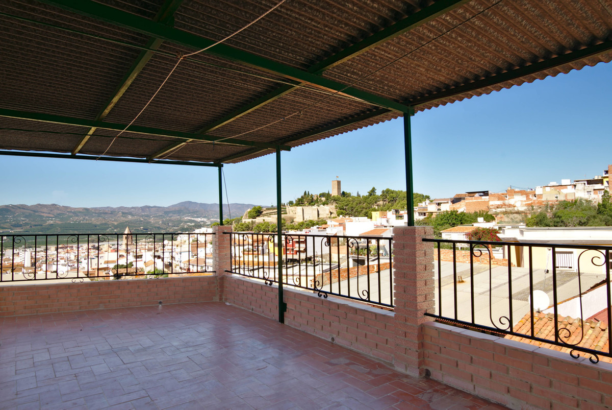 House in Velez - Malaga,  with access to two streets and with panoramic views of the most important , Spain